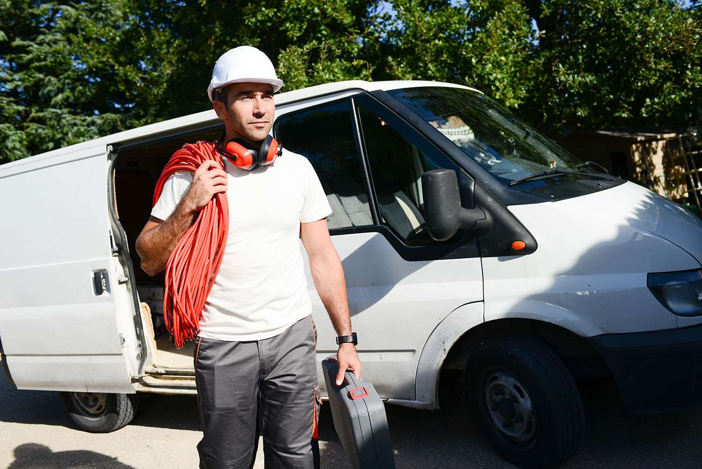 Pourquoi intégrer une clause sur le permis de conduire dans le contrat de travail de vos salariés du Bâtiment ?